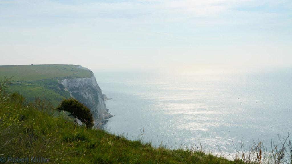 Blick vom Kreidefelsen auf das Meer vor Dover