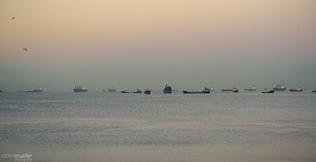 Schiffe vor Istanbul
