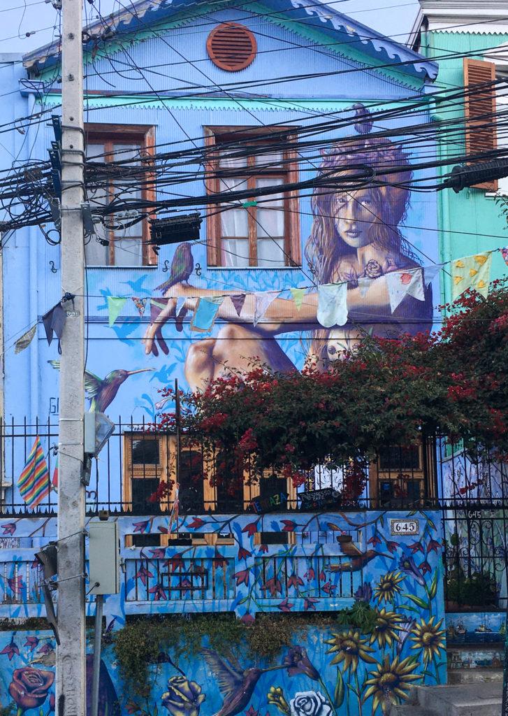 Bunte Fassaden prägen das Bild von Valparaíso